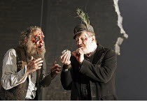KING LEAR by Shakespeare  set design: Tom Piper  costumes: Kandis Cook  lighting: Tim Mitchell  fights: Malcolm Ranson  director: Bill Alexander <br>~l-r: David Hargreaves (Gloucester), Corin Redgrave...