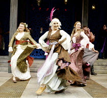 'ROMEO AND JULIET' (Shakespeare)~l-r: Victoria Carling (Lady Capulet), Una Stubbs (Nurse), Emily Blunt (Juliet)~Chichester Festival Theatre, W.Sussex    27/08/2002