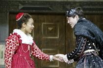 'ROMEO AND JULIET' (Shakespeare - director ('Master of Play') Tim Carroll)~Kananu Kirimi (Juliet), Tom Burke (Romeo)~Shakespeare's Globe, London SE1         19/05/2004