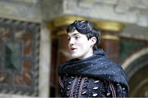 'ROMEO AND JULIET' (Shakespeare - director ('Master of Play') Tim Carroll)~Tom Burke (Romeo)~Shakespeare's Globe, London SE1         19/05/2004