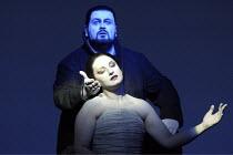 'AIDA' (Verdi - conductor: Antonio Pappano   director/design/lighting: Robert Wilson)~Johan Botha (Radames), Norma Fantini (Aida)~The Royal Opera / Covent Garden, London WC2          08/11/2003