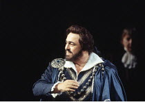 'UN BALLO IN MASCHERA' (Verdi - conductor: Edward Downes)~Luciano Pavarotti (Gustavus III)~The Royal Opera / Covent Garden, London WC2                       13/04/1995