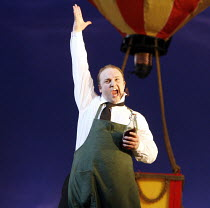 THE ELIXIR OF LOVE (L^ELISIR D^AMORE)   by Donizetti   ,conductor: Tecwyn Evans   director: Daniel Slater<br>,Andrew Kennedy (Nemorino),Opera North / Leeds, England      26/01/2007,