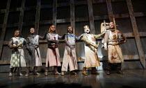 Monty Python^s SPAMALOT   book & lyrics: Eric Idle   music: John Du Prez & Eric Idle   director: Mike Nichols <br>,l-r: Robert Hands (Sir Robin), Tom Goodman-Hill (Sir Lancelot), Christopher Sieber (S...