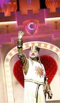 Monty Python^s SPAMALOT   book & lyrics: Eric Idle   music: John Du Prez & Eric Idle   ,director: Mike Nichols <br>,Simon Russell Beale (King Arthur),Palace Theatre, London W1          23/01/2007,