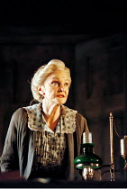 Sheila Hancock (Vassa) in VASSA by Maxim Gorky at the Albery Theatre, London WC2  20/01/1999  an Almeida Theatre Company production  adapted and directed by Howard Davies  design: Robert Howell  ligh...