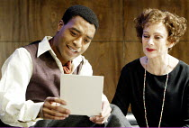 'THE VORTEX' (No'l Coward  -  director: Michael Grandage)~Chiwetel Ejiofor (Nicky Lancaster), Francesca Annis (Florence Lancaster)~Donmar Theatre, London WC2               10/12/2002