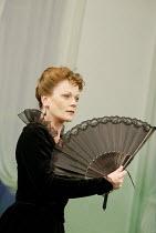 'A WOMAN OF NO IMPORTANCE' (Oscar Wilde - director: Adrian Noble   designer: Peter McKintosh)~Samantha Bond (Mrs Arbuthnot)~Theatre Royal Haymarket / London SW1                        16/09/2003