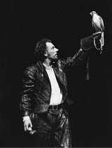 THE TAMING OF THE SHREW   by Shakespeare   director: Barry Kyle,Alun Armstrong (Petruchio),Royal Shakespeare Company / Royal Shakespeare Theatre, Stratford-upon-Avon                07/10/1982,