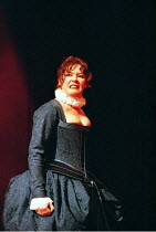 'THE TAMING OF THE SHREW' (Shakespeare - director: Gale Edwards)~Josie Lawrence (Katherina)~Royal Shakespeare Company / Royal Shakespeare Theatre   Stratford-upon-Avon          21/04/1995