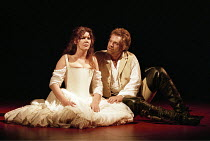 THE TAMING OF THE SHREW   by Shakespeare - director: Gale Edwards,Josie Lawrence (Katherina), Michael Siberry (Petruchio) ,Royal Shakespeare Company / Royal Shakespeare Theatre   Stratford-upon-Avon...
