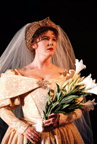 'THE TAMING OF THE SHREW' (Shakespeare),Josie Lawrence (Katherina),RSC/RST  04/1995 ~(c) Donald Cooper/Photostage   photos@photostage.co.uk   ref/H9