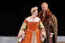 'ANNA BOLENA' (Donizetti - conductor: Alexander Ingram   director: Tom Hawkes   design: Peter Rice),Jennifer Johnston (Giovanna Seymour/Jane Seymour), Charles Johnston (Enrico VIII/Henry VIII)     ,Fe...