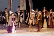 'ANNA BOLENA' (Donizetti - conductor: Alexander Ingram   director: Tom Hawkes   design: Peter Rice),front - left-right: Hannah Francis (Anna Bolena/Anne Boleyn), Charles Johnston (Enrico VIII/Henry VI...