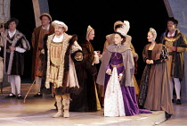 'ANNA BOLENA' (Donizetti - conductor: Alexander Ingram   director: Tom Hawkes   design: Peter Rice),Charles Johnston (Enrico VIII/Henry VIII) (right centre) Hannah Francis (Anna Bolena/Anne Boleyn),Fe...