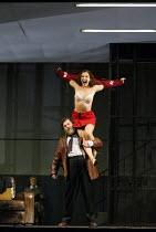 'ARIADNE AUF NAXOS' (Strauss)~Jeremy White (Comedian), Marlis Petersen (Zerbinetta)~The Royal Opera / Covent Garden, London WC2   06/09/2002