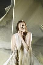 'ARIADNE AUF NAXOS' (Richard Strauss - conductor: Carlo Rizzi   director: Neil Armfield)~Janice Watson (Ariadne)~Welsh National Opera, New Theatre, Cardiff                 11/09/2004