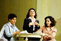 'COSI FAN TUTTE' (Mozart)~l-r: Soile Isokoski (Fiordiligi), Nuccia Focile (Despina), Helene Schneiderman (Dorabella)~The Royal Opera/Covent Garden, London WC2   15/11/2001
