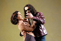'COSI FAN TUTTE' (Mozart)~Helene Schneiderman (Dorabella), Dalibor Jenis (Guglielmo)~The Royal Opera/Covent Garden, London WC2      15/11/2001