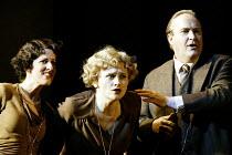 'COSI FAN TUTTE' (Mozart)~l-r: Mary Plazas (Dorabella), Susan Gritton (Fiordiligi), Andrew Shore (Don Alfonso)~English National Opera/London Coliseum               29/05/2002