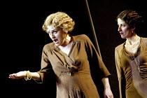'COSI FAN TUTTE' (Mozart)~l-r: Susan Gritton (Fiordiligi), Mary Plazas (Dorabella)~English National Opera/London Coliseum               29/05/2002