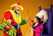 'FALSTAFF' (Verdi)~Falstaff woos Mistress Ford: Paolo Gavanelli (Sir John Falstaff), Patricia Schuman (Mistress Alice Ford)~The Royal Opera, London WC2  12/01/2001