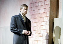 'HAMLET' (Ambroise Thomas/Shakespeare)~Simon Keenlyside (Prince Hamlet)~The Royal Opera / Covent Garden, London WC2          12/05/2003