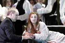 'LUCIA DI LAMMERMOOR' (Donizetti - conductor: Evelino Pido   director: Christof Loy)~Anthony Michaels-Moore (Enrico Ashton), Andrea Rost (Lucia)~The Royal Opera / Covent Garden, London WC2  29/11/2003