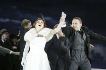 'LUCIA DI LAMMERMOOR' (Donizetti - conductor: Evelino Pido   director: Christof Loy)~Andrea Rost (Lucia), Peter Auty (Lord Arturo Bucklaw)~The Royal Opera / Covent Garden, London WC2  29/11/2003