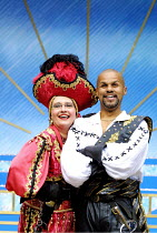 'THE PIRATES OF PENZANCE' (Gilbert & Sullivan)~Su Pollard (Ruth), Gary Wilmot (The Pirate King)~Open Air Theatre/Regent's Park, London NW1           29/08/2001