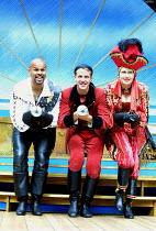 'THE PIRATES OF PENZANCE' (Gilbert & Sullivan)~l-r: Gary Wilmot (The Pirate King), Joshua Dallas (Frederic), Su Pollard (Ruth)~Open Air Theatre/Regent's Park, London NW1           29/08/2001