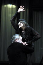 'RODELINDA' (Handel)~Emma Bell (Rodelinda), Stephen Rooke (Grimoaldo)~Glyndebourne Touring Opera                   20/10/2001