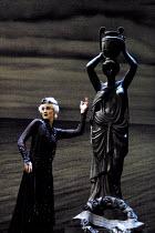 'RODELINDA' (Handel)~Emma Bell (Rodelinda)  ~Glyndebourne Touring Opera                   20/10/2001