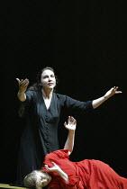 'THEODORA' (Handel - directors: Peter Sellars/Clare Whistler)~(top) Christine Rice (Irene), Anne-Lise Sollied (Theodora)~Glyndebourne Touring Opera                                           18/10/2003
