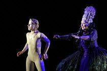 'SEMELE' (Handel - conductor: Christian Curnyn - director: John La Bouchardi�re),l-r: Isabelle Waywode (Pasithea), Susan Bickley (Juno),Scottish Opera / Theatre Royal, Glasgow                        1...