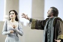 'SIMON BOCCANEGRA - 1881' (Verdi - conductor: Mark Elder   director: Elijah Moshinsky)~Angela Gheorghiu (Amelia Grimaldi), Franz Grundheber (Simon Boccanegra)~The Royal Opera /   Covent Garden, London...