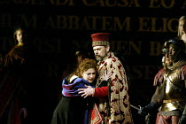 'SIMON BOCCANEGRA - 1881' (Verdi)~Tamar Iveri (Amelia Grimaldi), Alexandru Agache (Simon Boccanegra)~The Royal Opera/Covent Garden, London WC2    28/06/2002