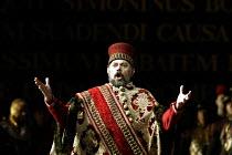 'SIMON BOCCANEGRA - 1881' (Verdi)~Alexandru Agache (Simon Boccanegra)~The Royal Opera/Covent Garden, London WC2    28/06/2002