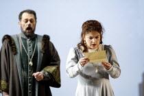 'SIMON BOCCANEGRA - 1881' (Verdi)~Alexandru Agache (Simon Boccanegra), Tamar Iveri (Amelia Grimaldi)~The Royal Opera/Covent Garden, London WC2    28/06/2002