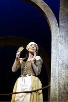 'THE YEOMEN OF THE GUARD' (Gilbert & Sullivan)~Maria Jones (Phoebe Meryll)~D'Oyly Carte Opera Company/Savoy Theatre  London WC2    17/04/2002