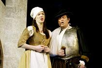 'THE YEOMEN OF THE GUARD' (Gilbert & Sullivan)~Maria Jones (Phoebe Meryll), David Fieldsend (Leonard Meryll)~D'Oyly Carte Opera Company/Savoy Theatre  London WC2    17/04/2002