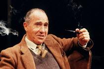 'SHADOWLANDS' (William Nicholson)~Nigel Hawthorne (C.S. Lewis)~Queen's Theatre, London W1                   23/10/1989