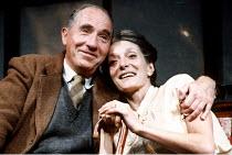 'SHADOWLANDS' (William Nicholson)~Nigel Hawthorne (C.S. Lewis), Jane Lapotaire (Joy Davidman)~Queen's Theatre, London W1                   23/10/1989