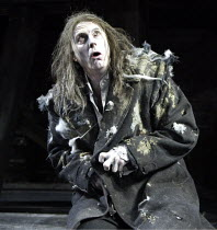 'SKELLIG' (David Almond - director: Trevor Nunn)~David Threlfall (Skellig)~The Young Vic   London SE1                   03/12/2003
