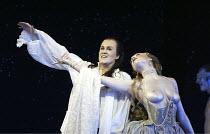 'ORLANDO' (Handel - conductor: Harry Bicket / Orchestra of the Age of Enlightenment   director: Francisco Negrin)~l-r: Suzanne McNaughton (Venus), Alice Coote (Orlando)~The Royal Opera / Covent Garden...