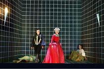 'ORLANDO' (Handel - conductor: Harry Bicket / Orchestra of the Age of Enlightenment   director: Francisco Negrin)~centre: Alice Coote (Orlando), Barbara Bonney (Angelica)   right: Camilla Tilling (Dor...