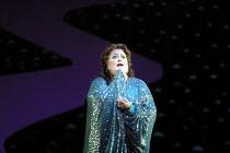 'DIE FRAU OHNE SCHATTEN' (Strauss)~Deborah Voigt (Empress)~The Royal Opera/Covent Garden, London WC2                      09/10/2001