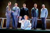 'THE LAST SUPPER' (Birtwistle/Blaser) centre: William Dazeley (Jesus) Glyndebourne Festival Opera                 04/08/2001