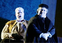 'DIE MEISTERSINGER VON NURNBERG' (Wagner)~l-r: Jan-Hendrik Rootering (Hans Sachs), Eike Wilm Schulte (Sixtus Beckmesser)~The Royal Opera / Covent Garden, London WC2   12/11/2002