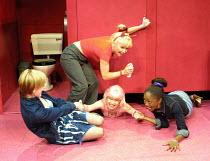 'THE SHAGAROUND' (Nevill) l-r: Elizabeth Berrington (Sal), Toyah Willcox (Beth), Veronica Quilligan (Dilly), Diane Parish (G)  Soho Theatre, London W1   27/07/2001